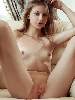 Heavy set nude girl